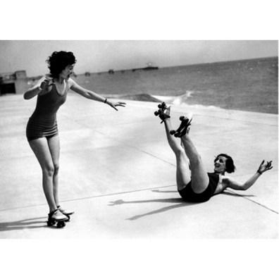 roller-skate-fall-down