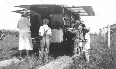 bookmobile-library-on-wheels-12-58982a5165b00__880