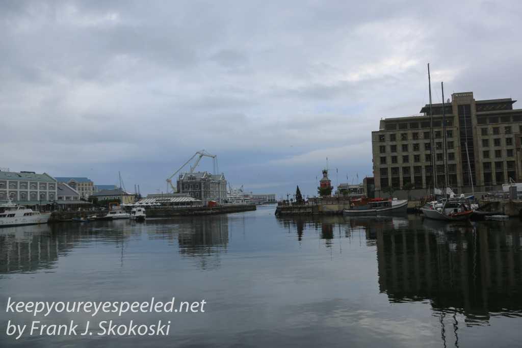 capetown-waterfront-walk-44