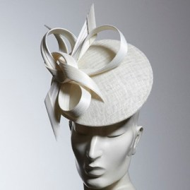 philip-treacy-london-powder-disc-fascinator