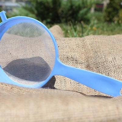 plastic-strainer-blue