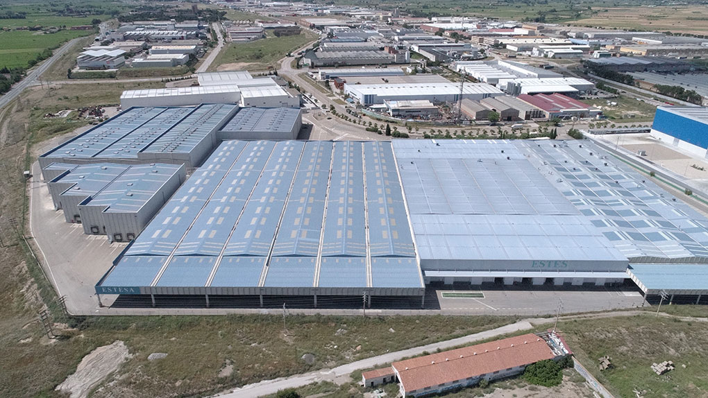 Logistics warehouse with a total built area of c.65,000 sqm located in Malpica Industrial Estate