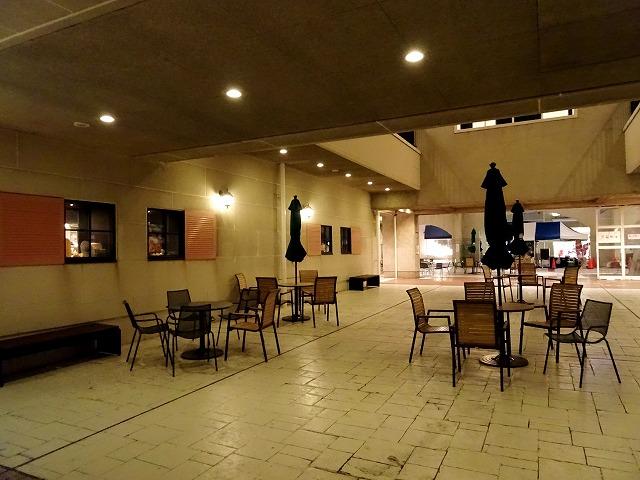 夜のマリンピア神戸レストラン