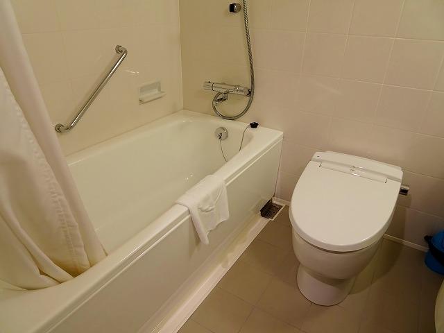 ホテルケーニヒスクローネ神戸のバスルーム