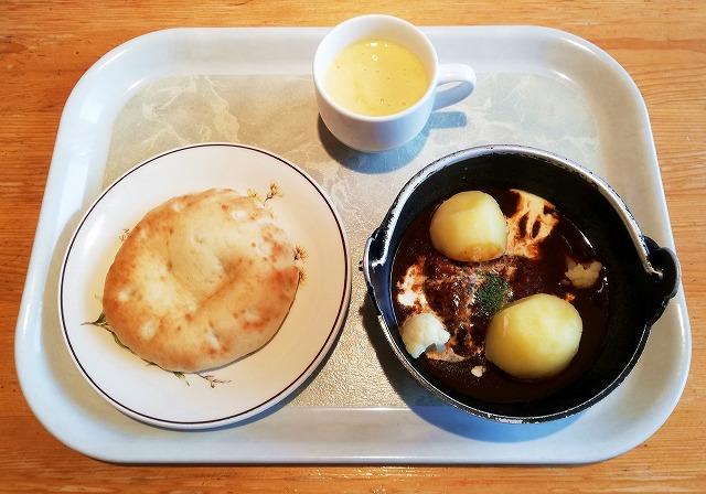 富良野ダウンヒルのチーズハンバーグ
