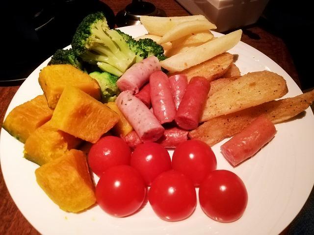 チーズフォンデュに野菜