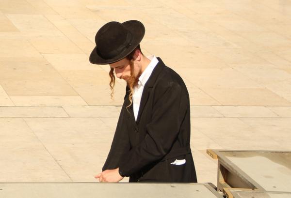 ユダヤ教徒のもみあげがすごすぎる話。