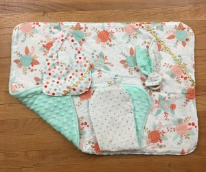 Reversible Blanket Sets