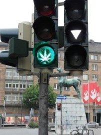 450px-CannabisPropagandaAachen_Tur4930