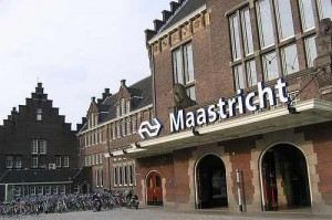Not the place to be - Bahnhof Maastricht - CC-License: photo by Alex Thompson