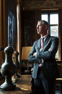 Portret Onno Hoes burgemeester te Maastricht