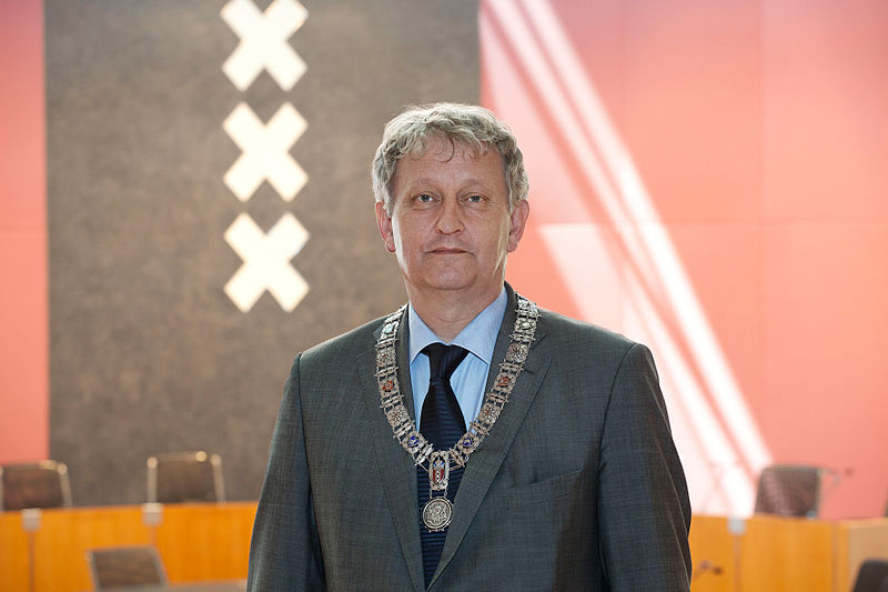 Eberhard van der Laan hat entschieden.