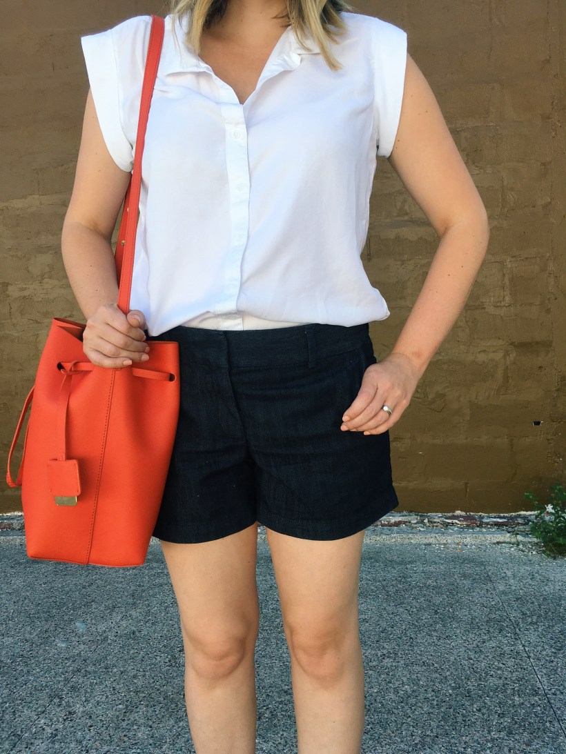 easy denim shorts outfit for the weekend // keiralennox.com