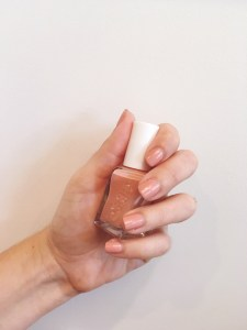 Essie Gel Couture nail polish in Sew Me after seven days of wear | keiralennox.com
