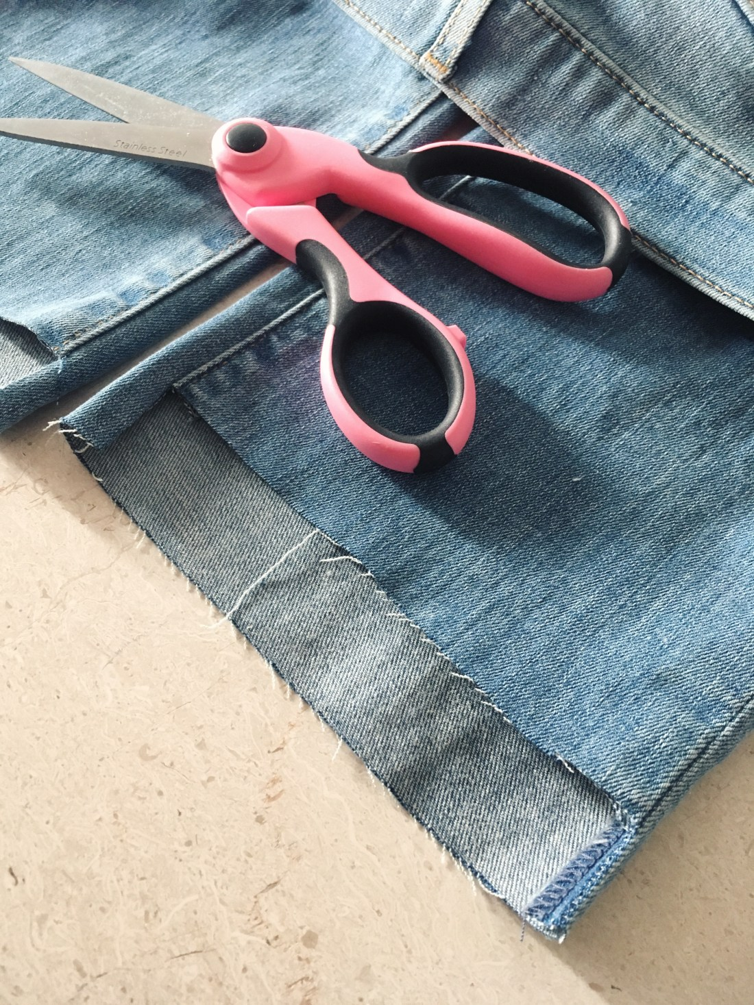 DIY step hem jeans, denim trends 2017