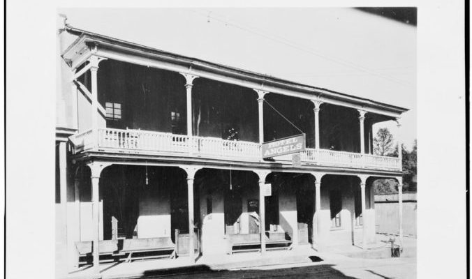 Angels Hotel, Angels Camp, CA [Public domain] Courtesy Library of Congress