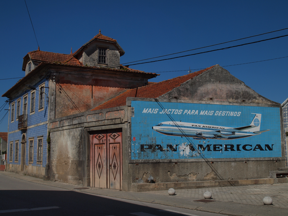 'Old School' advertising in Portugal