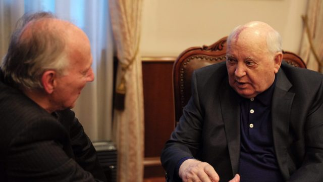 https://i1.wp.com/keithlovesmovies.com/wp-content/uploads/2019/05/5.-Meeting-Gorbachev-L-to-R-Werner-Herzog-and-Mikhail-Gorbachev.jpg?resize=640%2C360&ssl=1