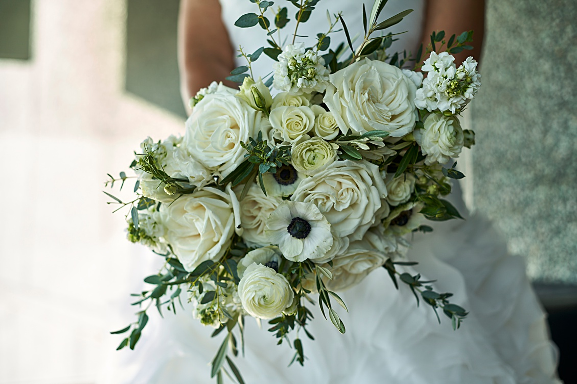 a wedding bouquet from a recent wedding at the Phoenix Art Museum, floral by @Luxeflorist