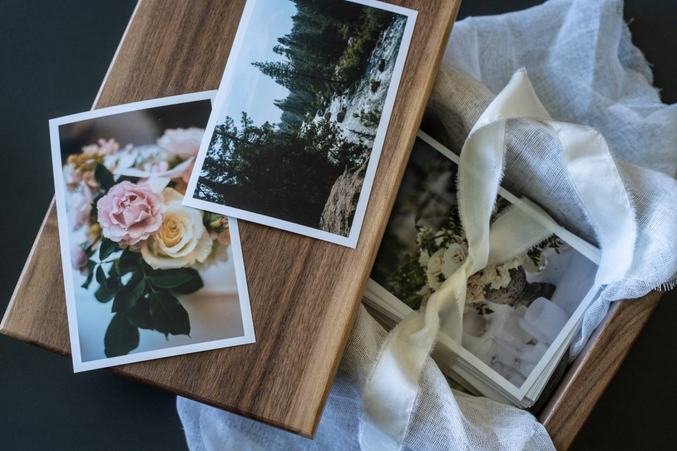 make & stow handmade box for wedding photos