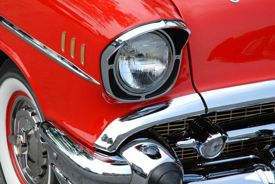 classic-car-76423_1280