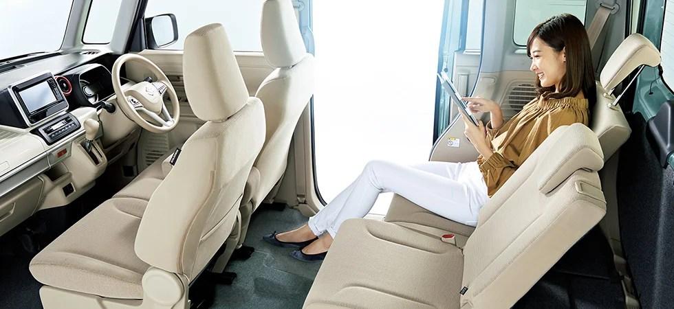 新型スペーシア内装画像後部座席リクライニング