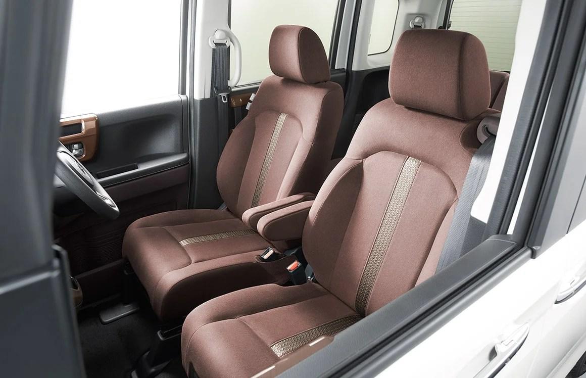 新型N-BOX特別仕様車カッパーブラウンスタイル内装