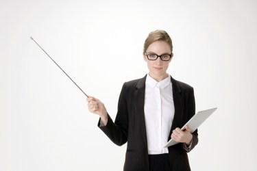 メガネを外す心理について気になる男性心理を状況別に紹介
