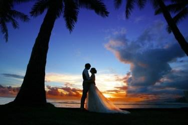背中が汚ない・自信がない女性が結婚式で素敵なドレスを着る方法