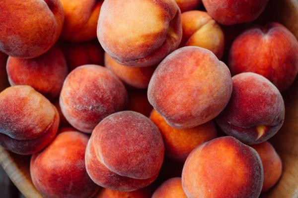 peach_peche_rouge_delivery_lebanon
