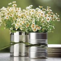 latinhas com arranjo floral