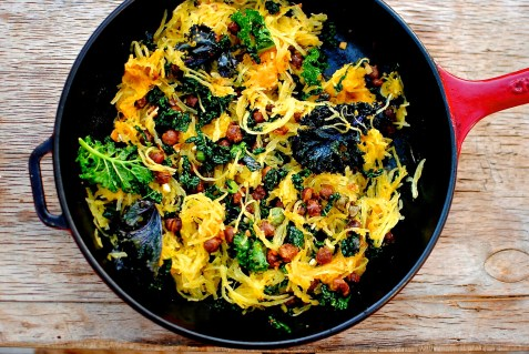 moroccan spaghetti squash with chickpeas and kale // food to glow