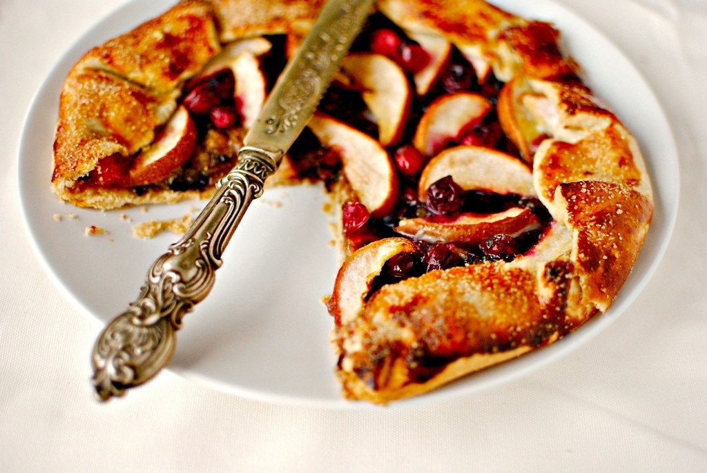 pear, mincemeat and cranberry galette // food to glow