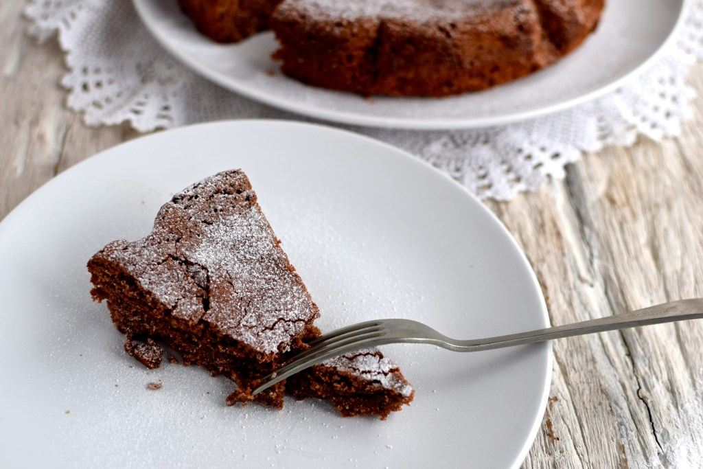 crackly exterior and soft, molten interior: the ultimate chocolate cake is Swedish Kladdkaka! // by food to glow