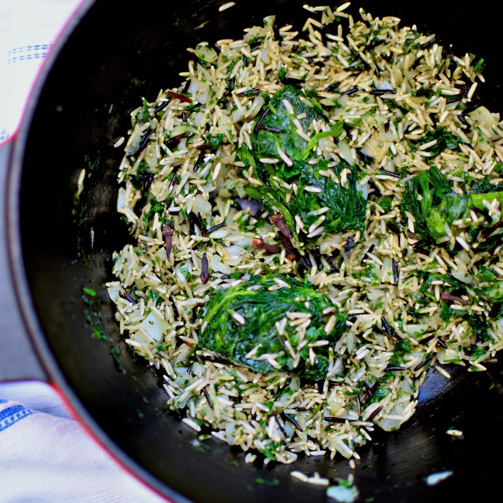 Make this green herb rice with spinach and serve with almost any protein main course you can think of! A perfect, and perfectly healthy, side dish.