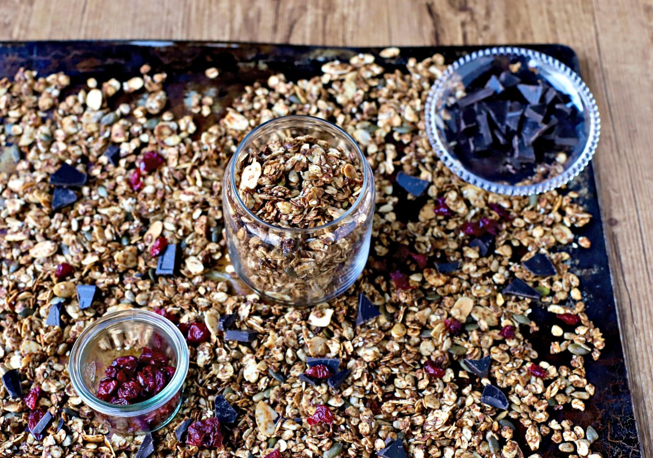 Gingerbread Granola brings Christmas vibes to your breakfast table at any time of the year. Subtly sweet, slow-baked and delectably crunchy, make it even more irresistible by adding dried cranberries and little nuggets of dark chocolate after cooling. A great last-minute Christmas gift, too.