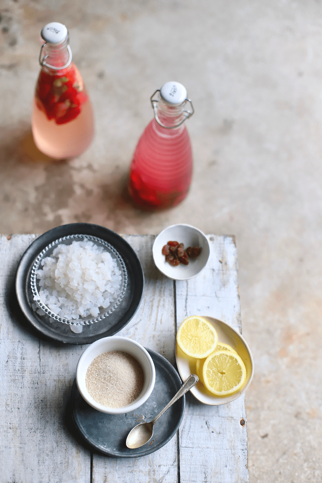 The simplicity of water kefir - fermented water! - explained. Plus an in-depth, step-by-step guide to making this nutritious, probiotic, gut health hero. This drink is a great non-dairy alternative to milk kefir. #guthealth #kefir #recipe