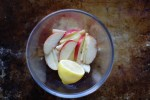 apple slices with lemon