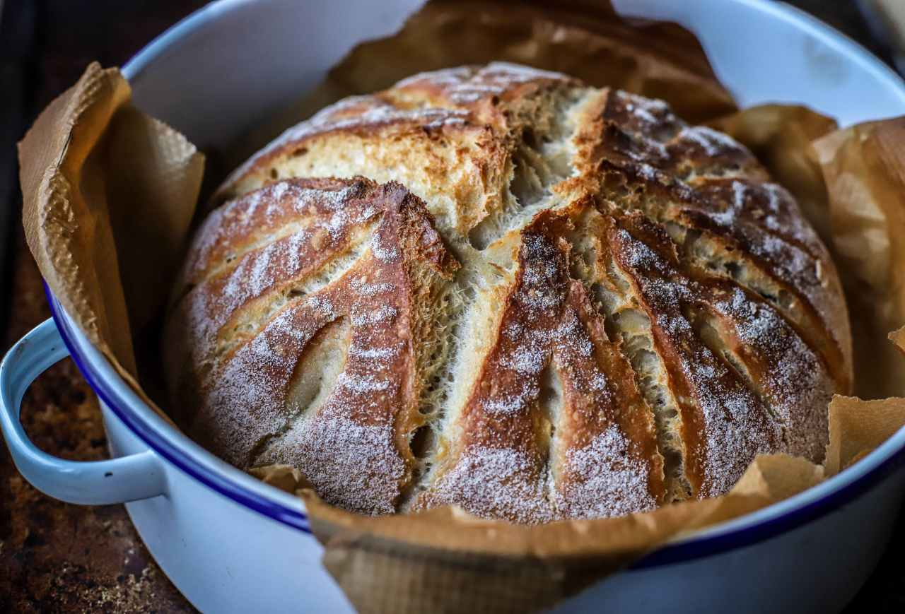 sourdough bread by kellie anderson - kelliesfoodtoglow.com
