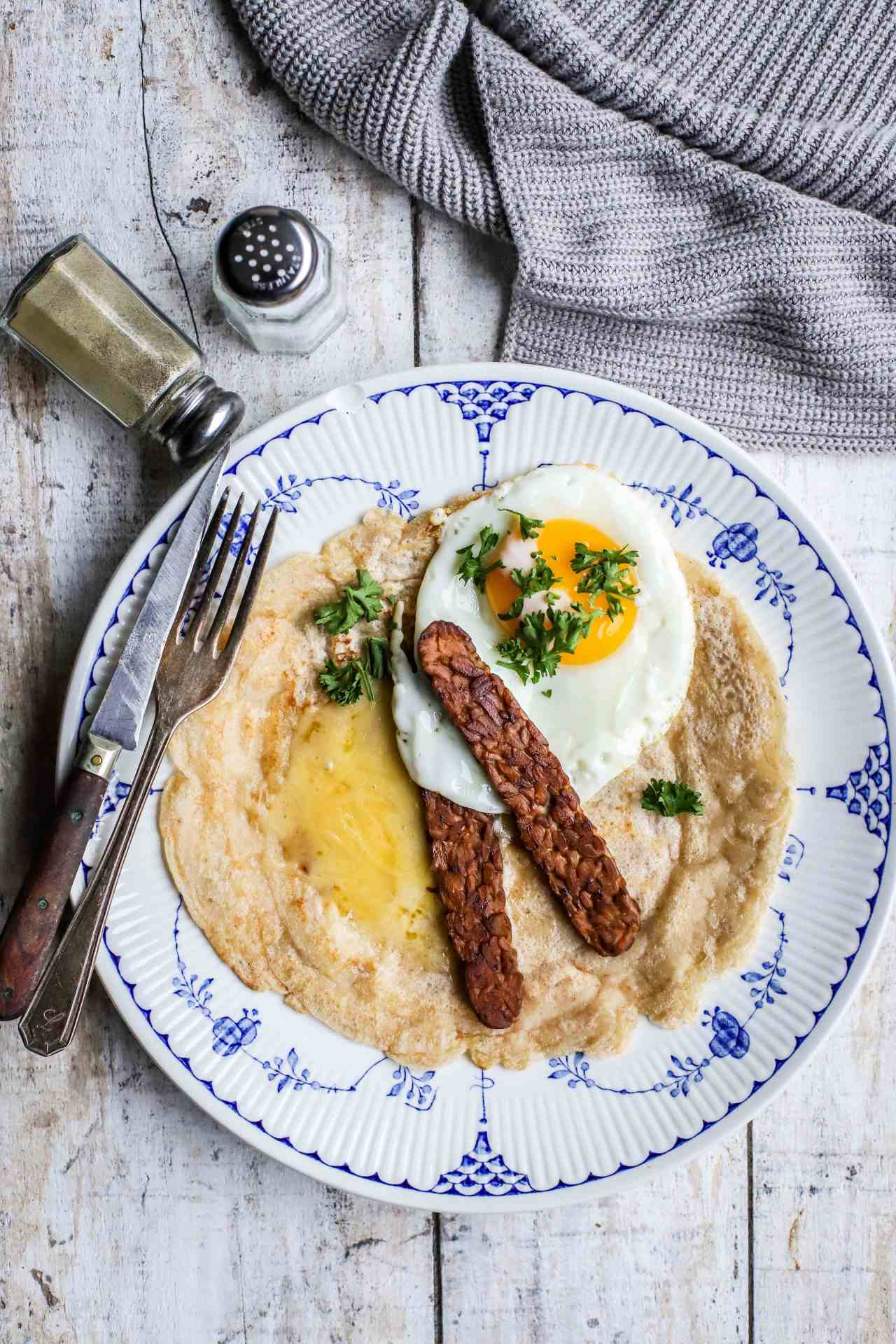 Traditionally Staffordshire oatcakes are a savory, yeasted #pancake made from #oats, flour and milk. This is a #vegan, #sourdough version that we think is even tastier, and also incredibly versatile.