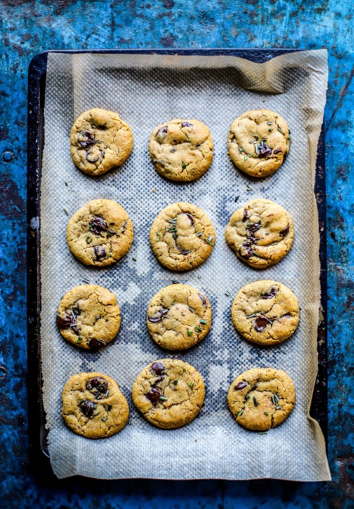 vertical tray of chocolate chip cookies on blue box