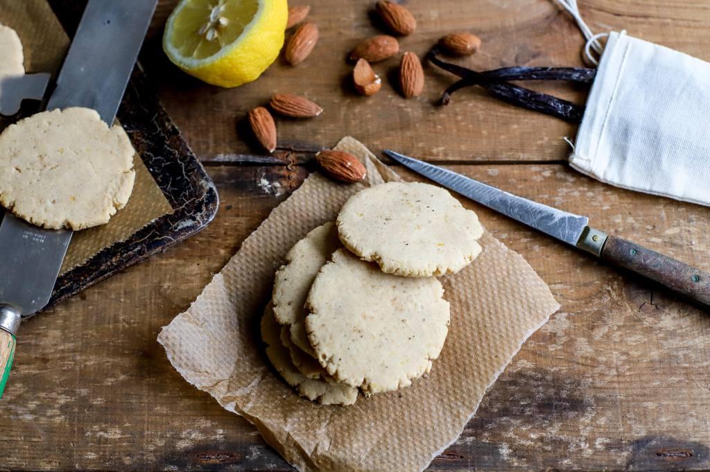buttery lemon cookies