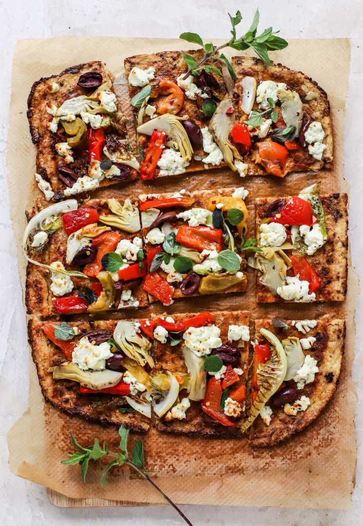 greek cauliflower pizza