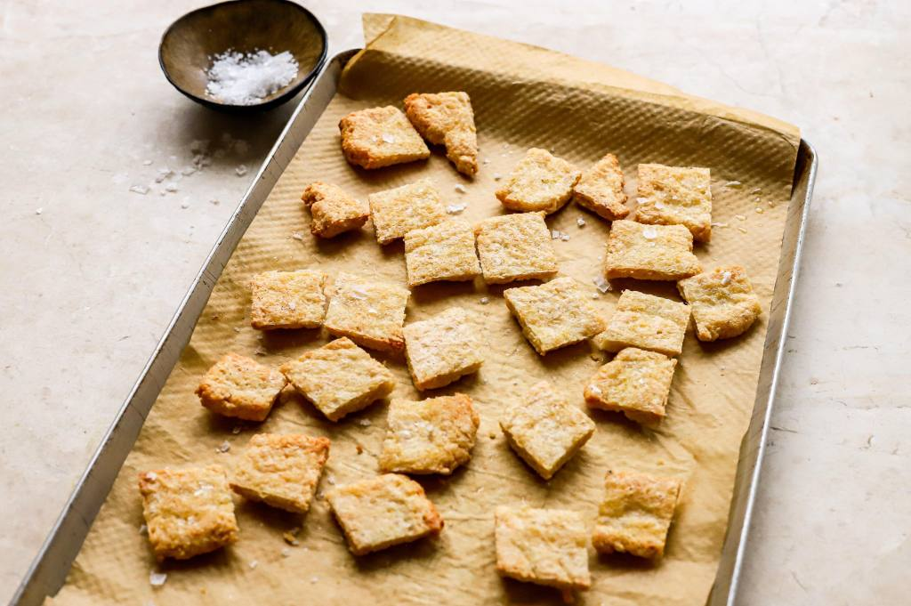 baked keto croutons