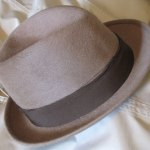 Vintage light brown Borsalino (made in Italy), short brim and comfortable.