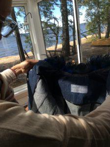 Käsintehty takki kukonsulat Mania Jewels kuvaukset Säkylän Pyhäjärvi