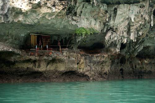 Ha Long Bay seaside prayer site