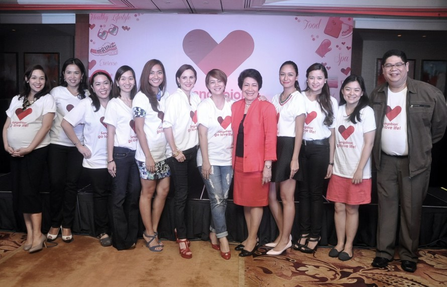 Dr.-Sylvia-Carnero,-Joy-Cabrera-and-Louie-Roxas-of-Merck-with-Sangobion-Believers-2