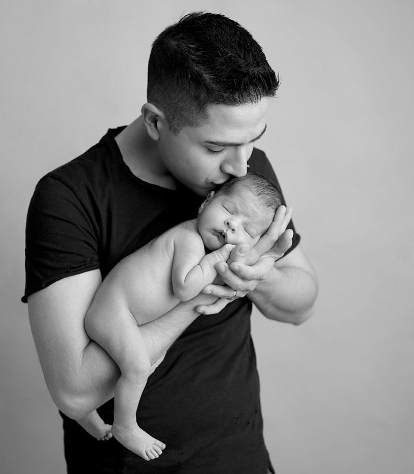 Amazing photos of newborns local to Keswick Ontario Georgina Area