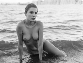 fashion-nude-water-fine-art-roarie-yum-kelly-segre-05